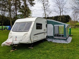 Chris & Jo's 5 Birth Caravan + Awning