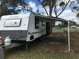 Triple Bunk Family Caravan Aussie Wide Waratah
