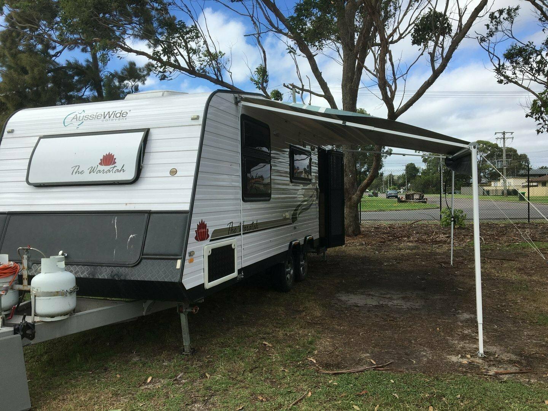 Triple Bunk Family Caravan Aussie Wide Waratah - Cover Image