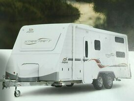 THE HOLIDAY MAKER 2017 Jayco Starcraft Fully Equipped  Bunk Family Van