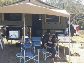 MDC Cruizer Highside forward folding camper