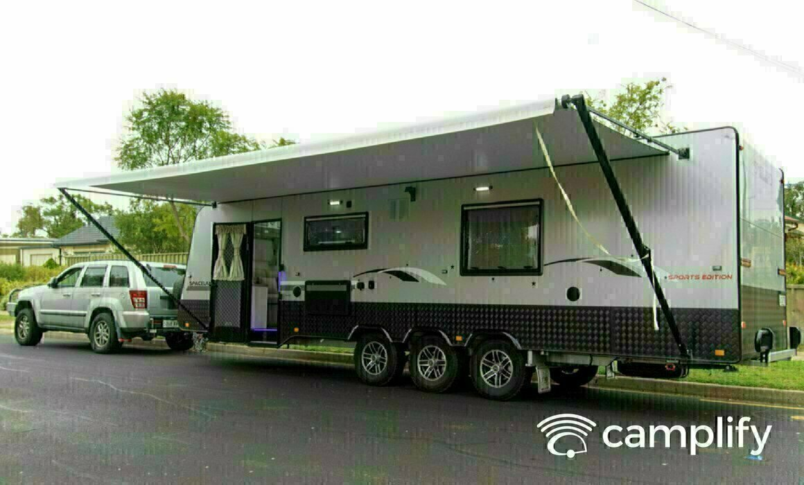 Luxury on Wheels TriAxle - Cover Image