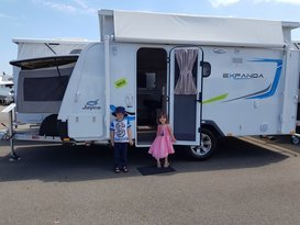 Easy to tow Jayco Expanda with bunks