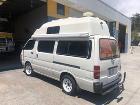 Toyota Hiace in Style