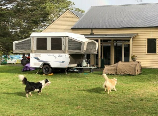 Light weight+Annex Jayco Swift (2018) - Cover Image