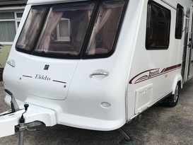 Lovely 5 berth Caravan