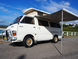 Harry Hiace - Luxury Oldschool Campervan