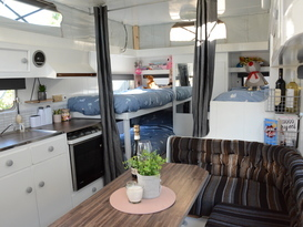 ***The Hampton Belle*** (Can accommodate 11 with Annexe Setup)