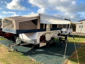 Daisy Dove - 5 berth, easy to tow, battery & solar, loaded with extras