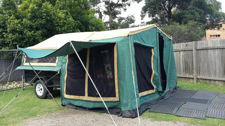 Malcom's camper trailer - Cover Image