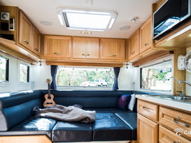 Luxury 6 berth offgrid family van