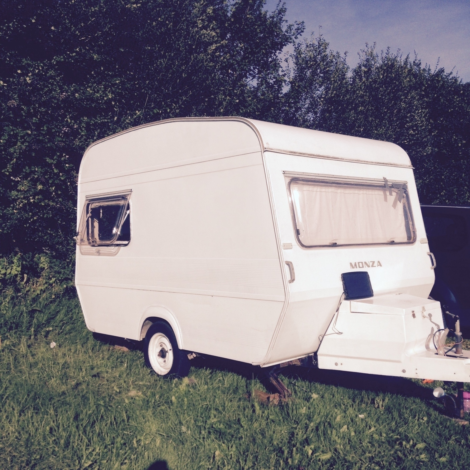 Ginny the tiny caravan!  - Cover Image
