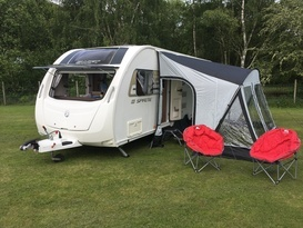 6-berth immaculate family caravan with all accessories, awning, shower & central heating