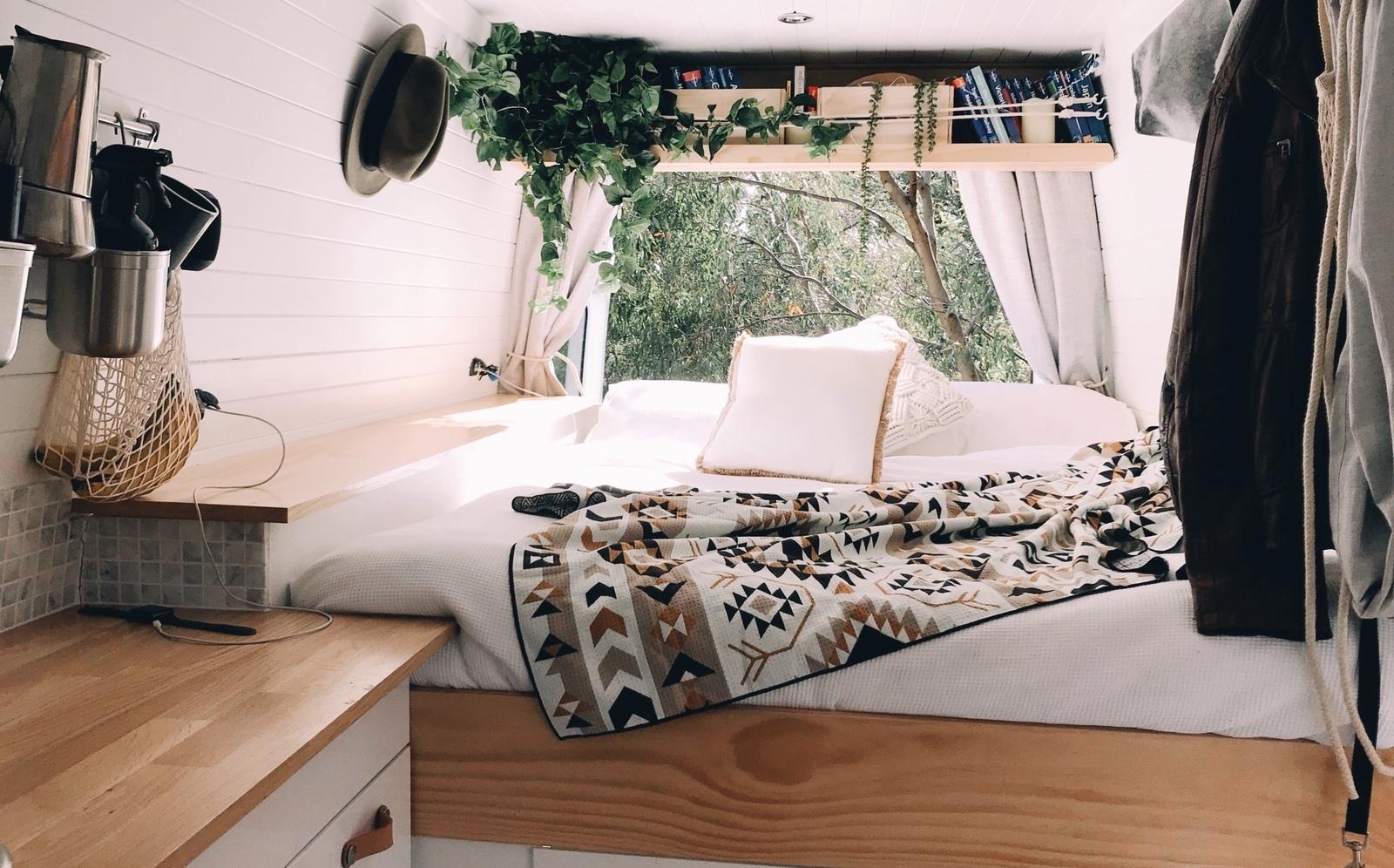 The Roaming Van - Cover Image