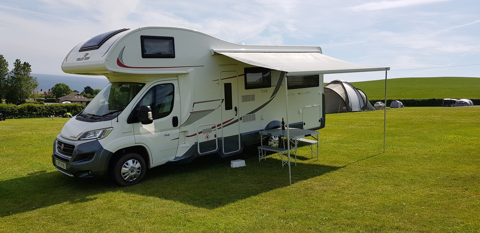 Super spacious and comfortable motorhome - Cover Image
