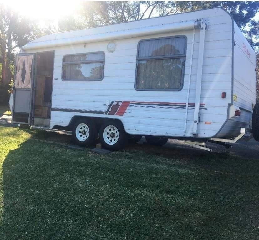 Caravan For Hire In Griffith Act From 80 0 Rosey Castle