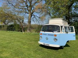 Bertie – Hire Bertie, our 1973 Volkswagen T2 Baywindow Campervan!