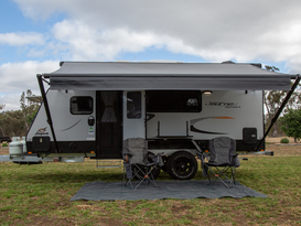 Northern Vic Caravan Hire - Family Van No. 2 2019 Outback Jayco Journey (poptop)