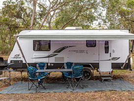 OFF GRID LUXURY FAMILY CARAVAN