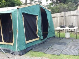 Malcom's camper trailer - Image #5