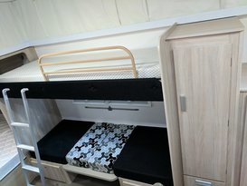 Great Family Van with bunks (under 2 tonnes!) - Image #5