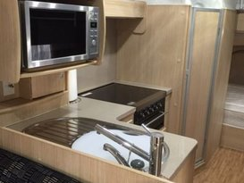 Potsie - Jayco Expanda - bunks, 6 berth with shower and toilet - Image #3