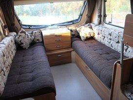 lightweight 6 berth van - Image #1