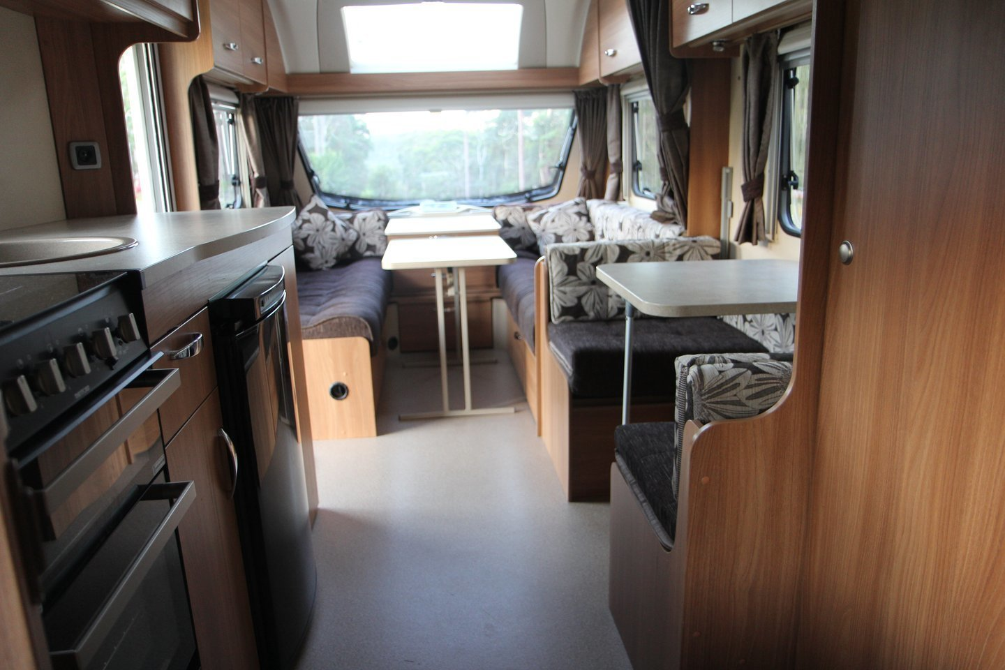 """Caravan for Hire in Ourimbah NSW from $100 0 """"lightweight 6 berth"""