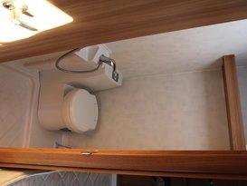 lightweight 6 berth van - Image #5