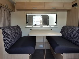 Easy to tow Jayco Expanda with bunks - Image #2
