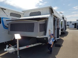 Easy to tow Jayco Expanda with bunks - Image #5