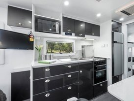SPECIAL $77P/N Luxury Franklin Family Caravan #1 For Hire Brisbane  - Image #5