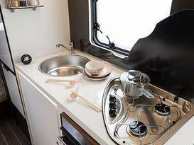 Busy 'Lil Motorhome - Image #4