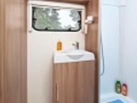 Aircon 6 berth caravan - Image #5