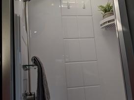 Cruze -free tow & setup* (near-new family van, shower & toilet, very light & easy self-tow) - Image #6