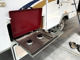 Daisy Dove - 5 berth, easy to tow, battery & solar, loaded with extras - Image #3