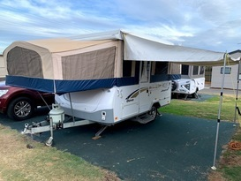 Daisy Dove - 5 berth, easy to tow, battery & solar, loaded with extras - Image #12