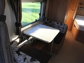 lightweight 6 berth van - Image #6