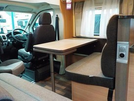 2019 Knaus 4-Person Motorhome - Image #6