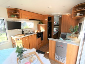Caravan For Hire In Kallaroo Wa From 120 0 Dash