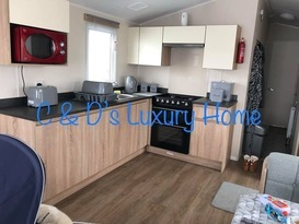 C & D's Luxury Home  - Image #2