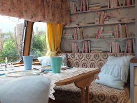 Pretty Vintage Caravan in peaceful, private setting - Image #3