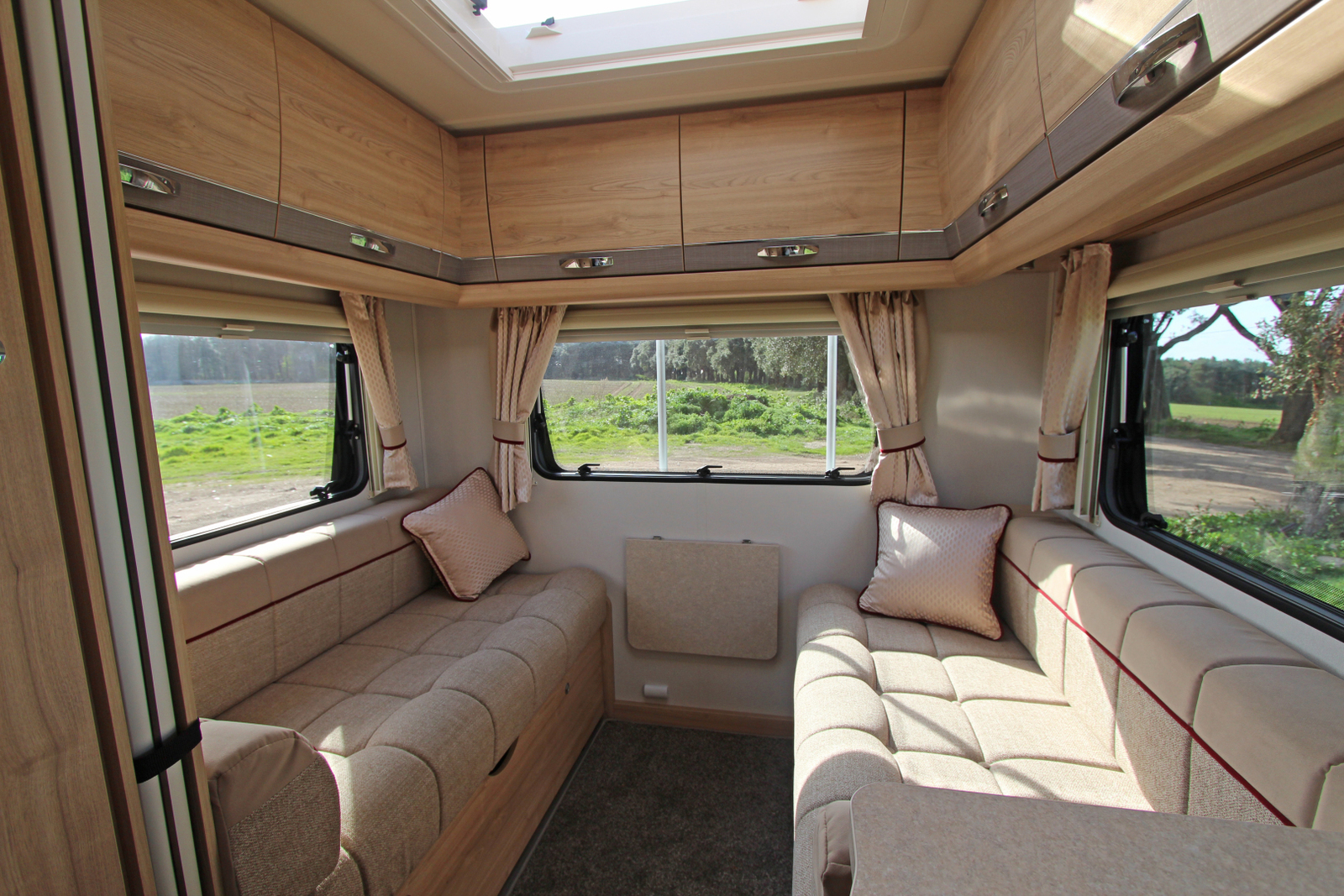 Motorhome For Hire In Huntingdon From 163 105 0 Marvin The 6