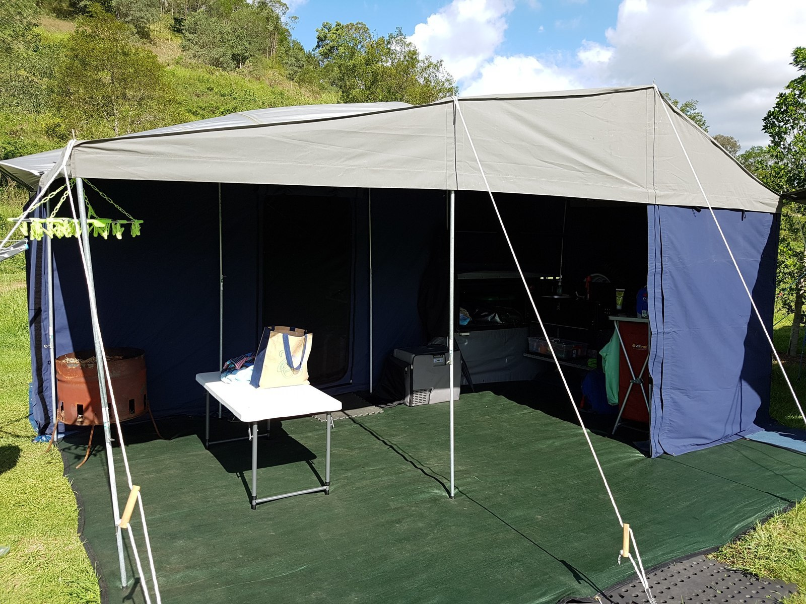 Soft Floor Camper Trailer For Hire In Woombye Qld From 60