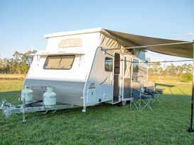Northern Vic Caravan Hire - Family Van No.1. 2019 Jayco Journey (pop top) - Image #4