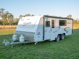 Northern Vic Caravan Hire - Family Van No.1. 2019 Jayco Journey (pop top) - Image #5
