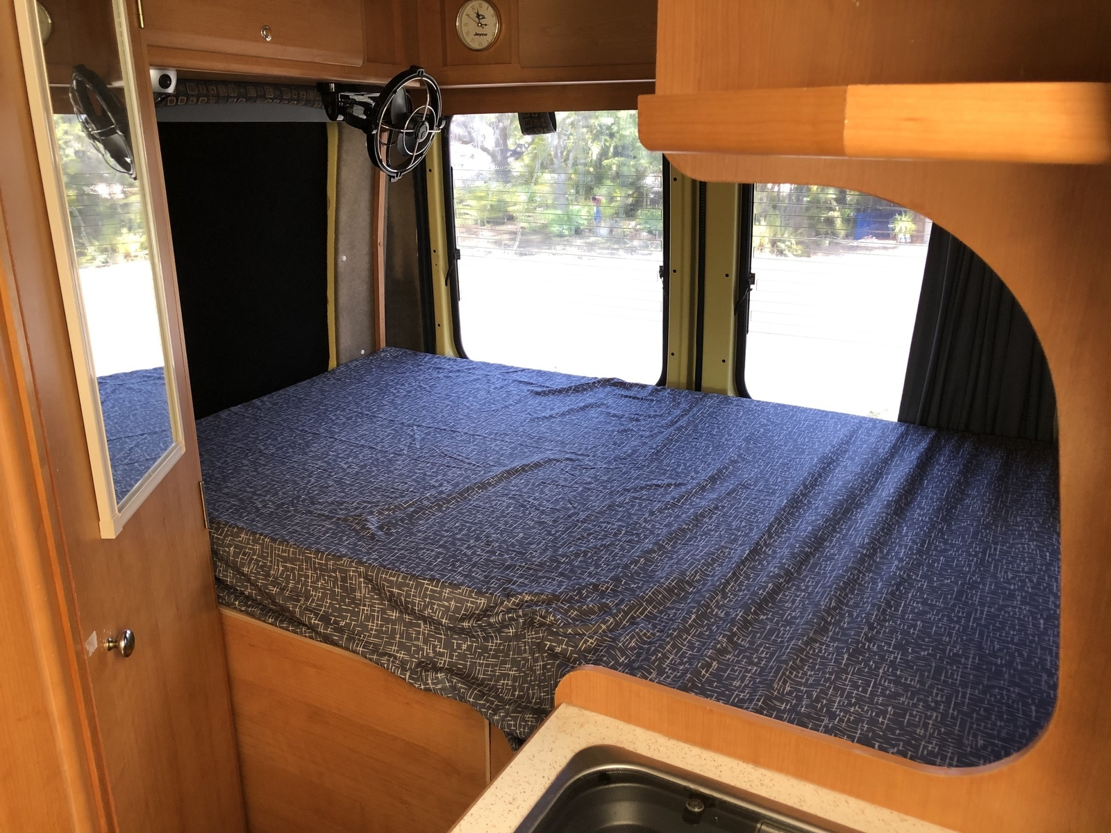 Motorhome For Hire In Karana Downs Qld From 120 0 Kim S