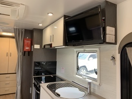 Caravan For Hire In Ripley Qld From 95 0 Adventurer