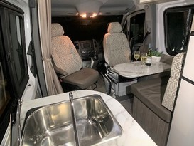 CURRENT SPECIAL - 5 Star COUPLES RETREAT Motorhome - Brisbane - Image #7