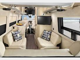 Airstream Mercedes Interstate Lounge EXT - Image #3